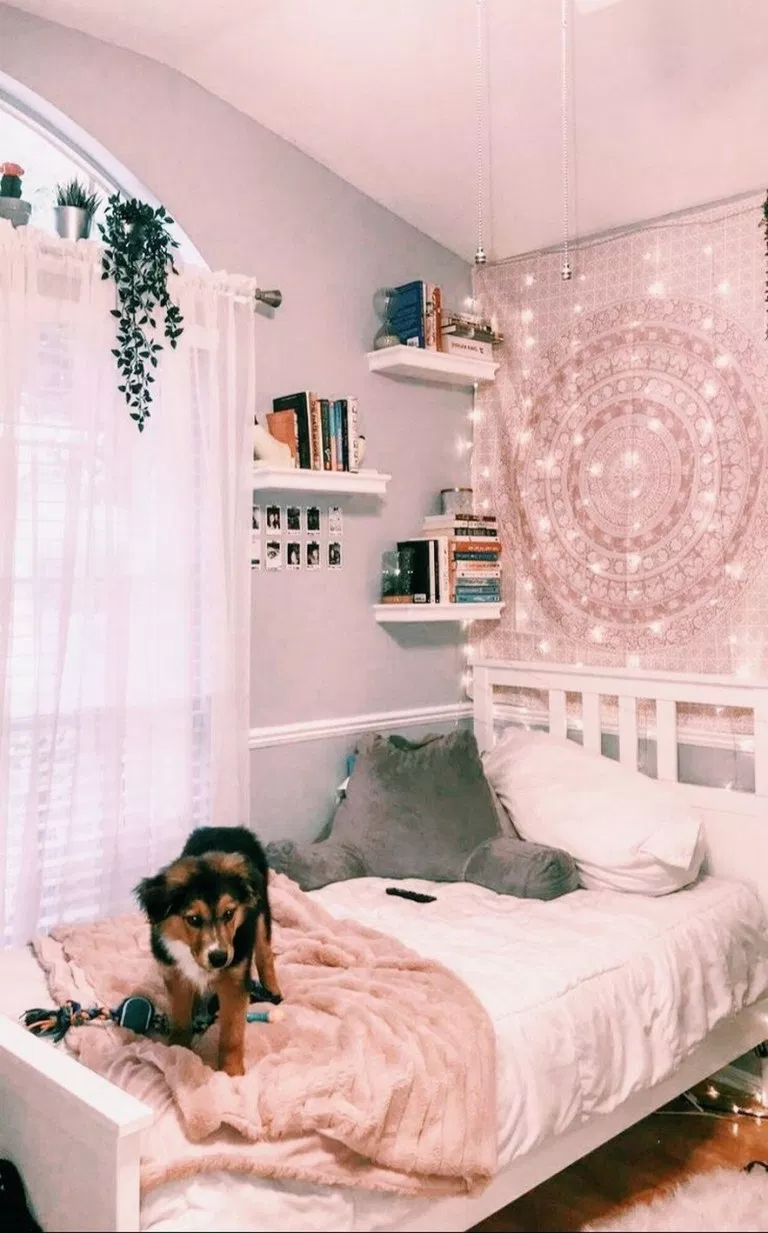 57 Fabulous Ideas White Walls Green Plants And Fairy Lights Perfect For Your Favorite Bedroom Bedroomdecor Bed Dream Rooms Girl Bedroom Decor Bedroom Design