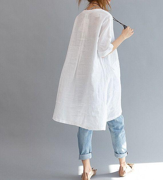 【Fabric】 Baumwolle, Leinen 【Color】 Weiß Größe】 Schulter 40 cm/16 Büste 108 cm/42 Sleeve 24 cm/9,4 Länge (79 vorne / hinten 89 cm / 31 -35) Haben Sie Fragen, kontaktieren Sie mich und ich werde Ihnen gerne behilflich sein.