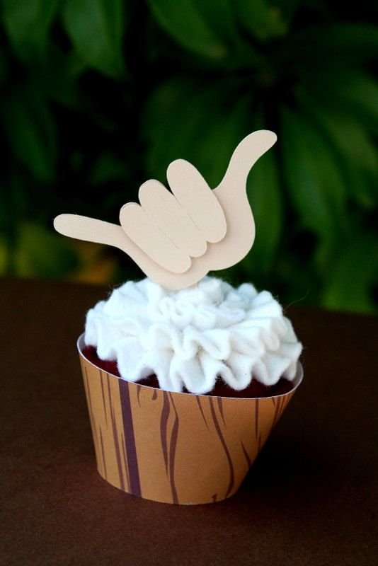 Luau Cupcakes - use as picks for some other food