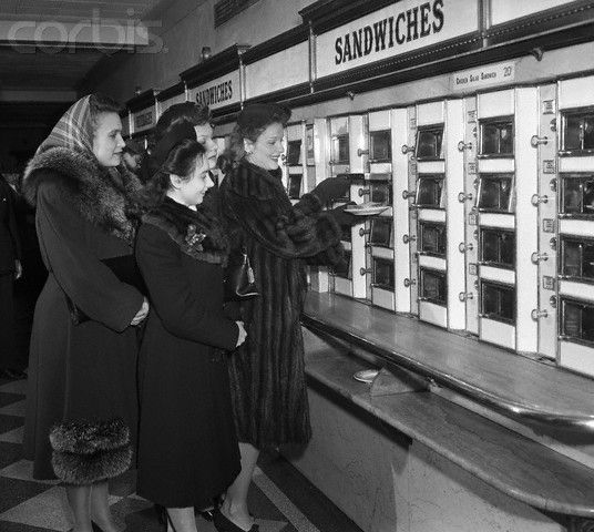 Selecting sandwiches at the automat! | Vintage restaurant, Vintage life,  Historical photos