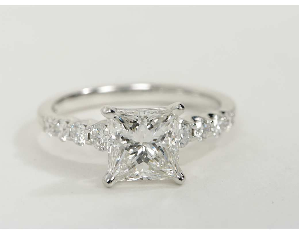 carat diamond graduated side stone diamond engagement ring