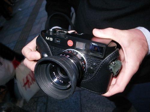 Omotesando Leica M9 with Zeiss 35mm f2 8 C Biogon ZM Photographer
