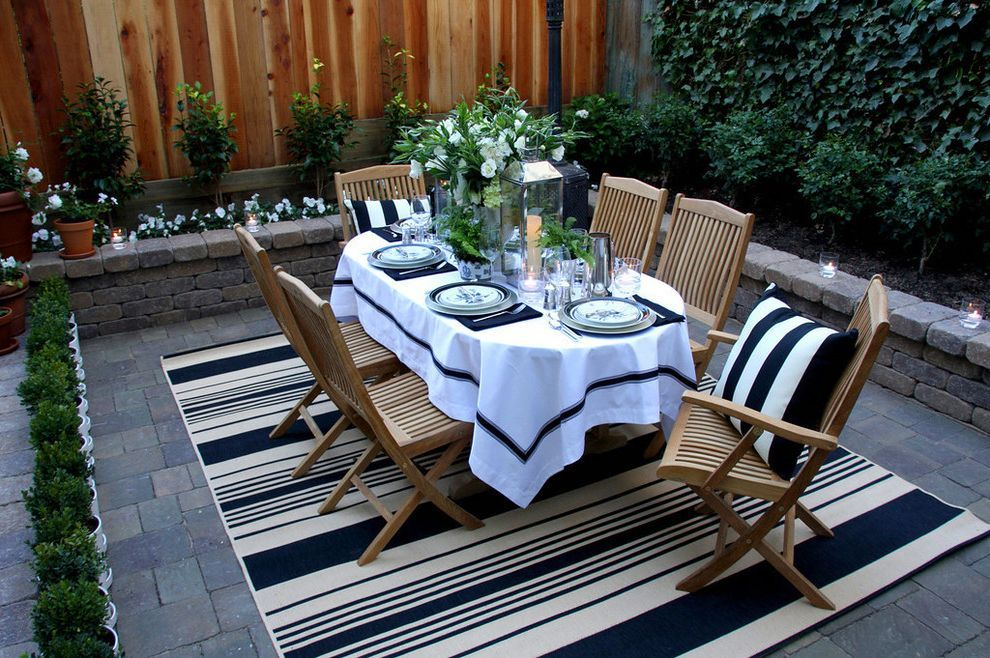 5x7 Outdoor Rug Traditional Patio And Black And White Brick Paving