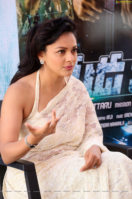 Pooja Kumar High Definition Image 31