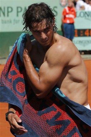 Nice biceps and lats on Nadal! | Nadal tennis, Rafael nadal ...