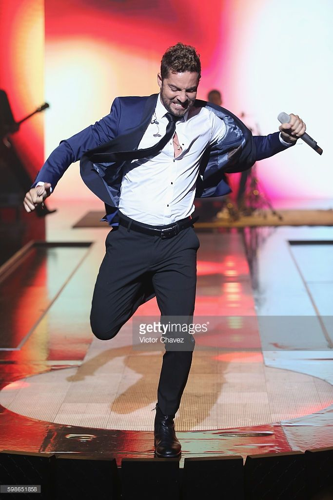 Singer David Bisbal performs on the runway during the Liverpool Fashion Fest…
