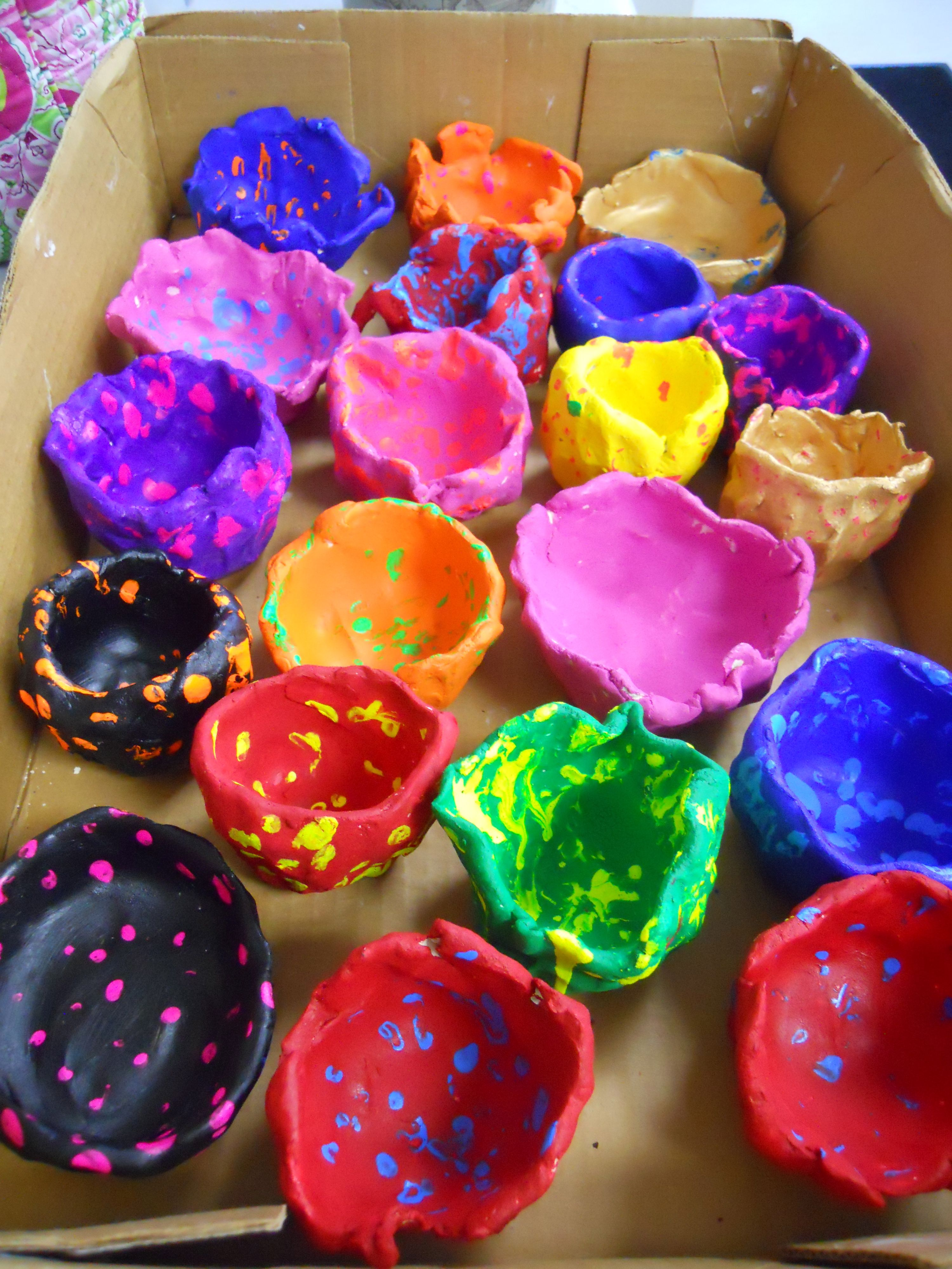 Monday Night Vbs Craft Pinch Pots