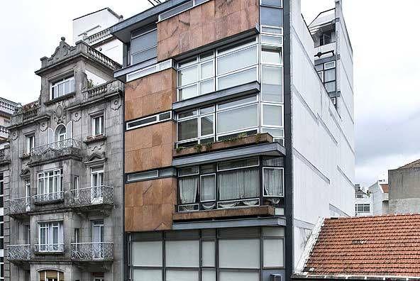 Edificio Plastibar - Xosé Bar Boo