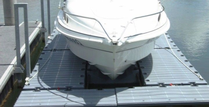 5 5m Boat lift, Air berth and Pontoon Brackets, Must Sell $2750