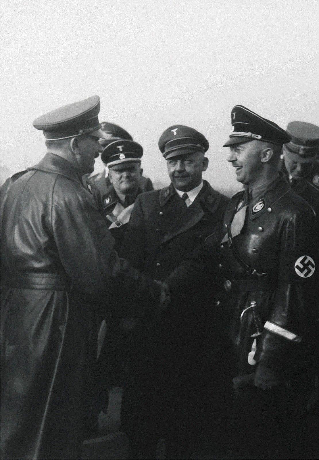 die-partei-ist-hitler: Heinrich Himmler greets Adolf Hitler at ...
