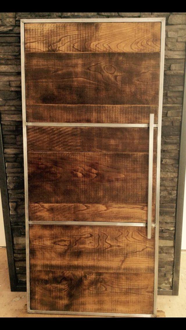 Porte coulissante sur mesure en frêne et acier brossé fabriqué par - porte coulissantes sur mesure