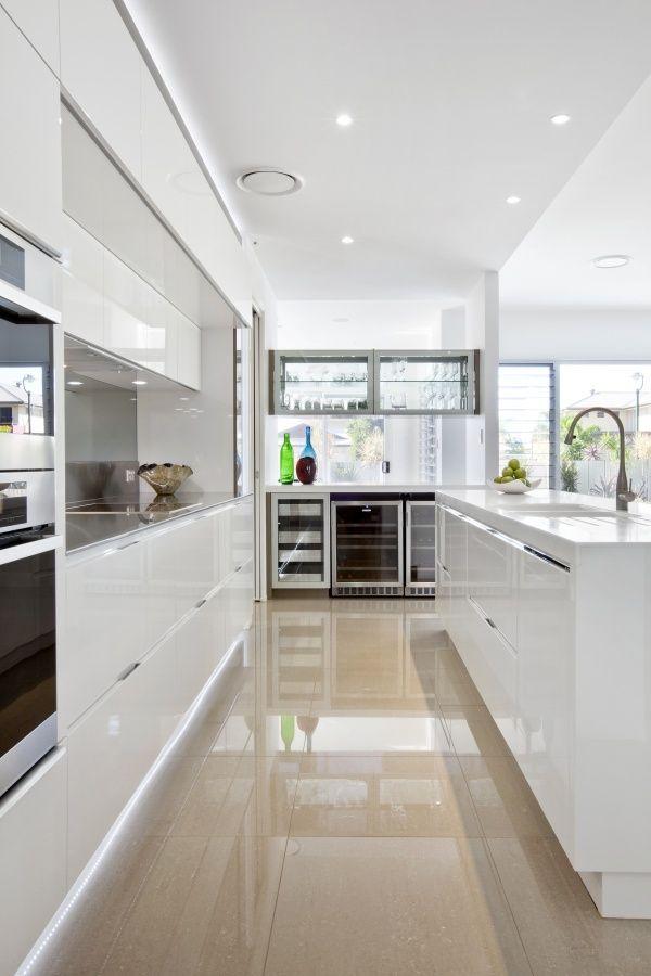cuisine blanche meubles couleur blanc pinterest cuisine blanche cuisines et cuisine. Black Bedroom Furniture Sets. Home Design Ideas