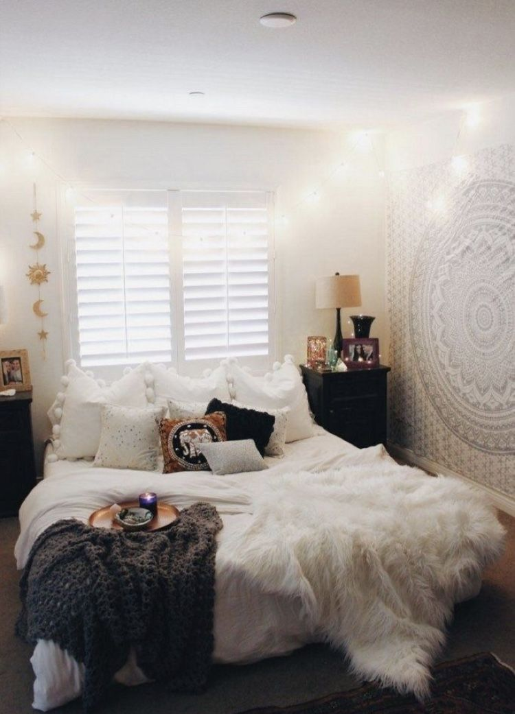 Indian White Tapestry in 2020 | Small room bedroom, Small ...