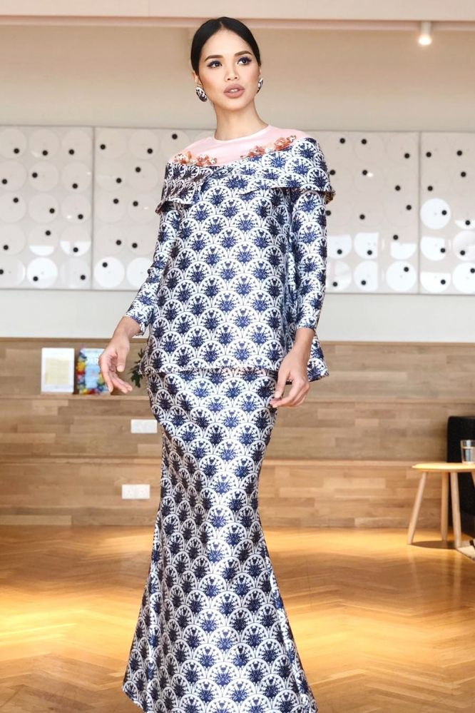 Petra Raya Kurung Kedah Mendeze White Fashion Baju