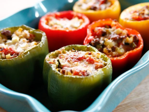 Video Stuffed Bell Peppers By Ree The Pioneer Woman Cooks Stuffed Peppers Food Network Recipes Stuffed Bell Peppers