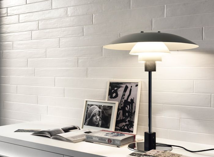 BRICKWALL WHITE Available in 2.5x20 and six colours