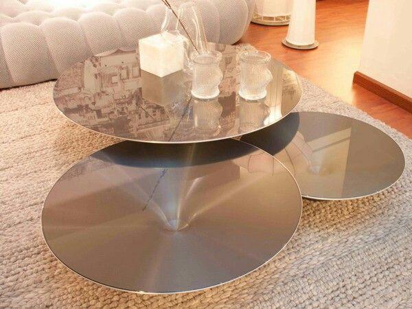 Preciosas Mesas De Centro Ovni De Aluminio Disenadas Por Vincenzo Maiolino Estas Son Las Nuestras Pero Las Tenemos En Diferentes Acabados Ovni Salon