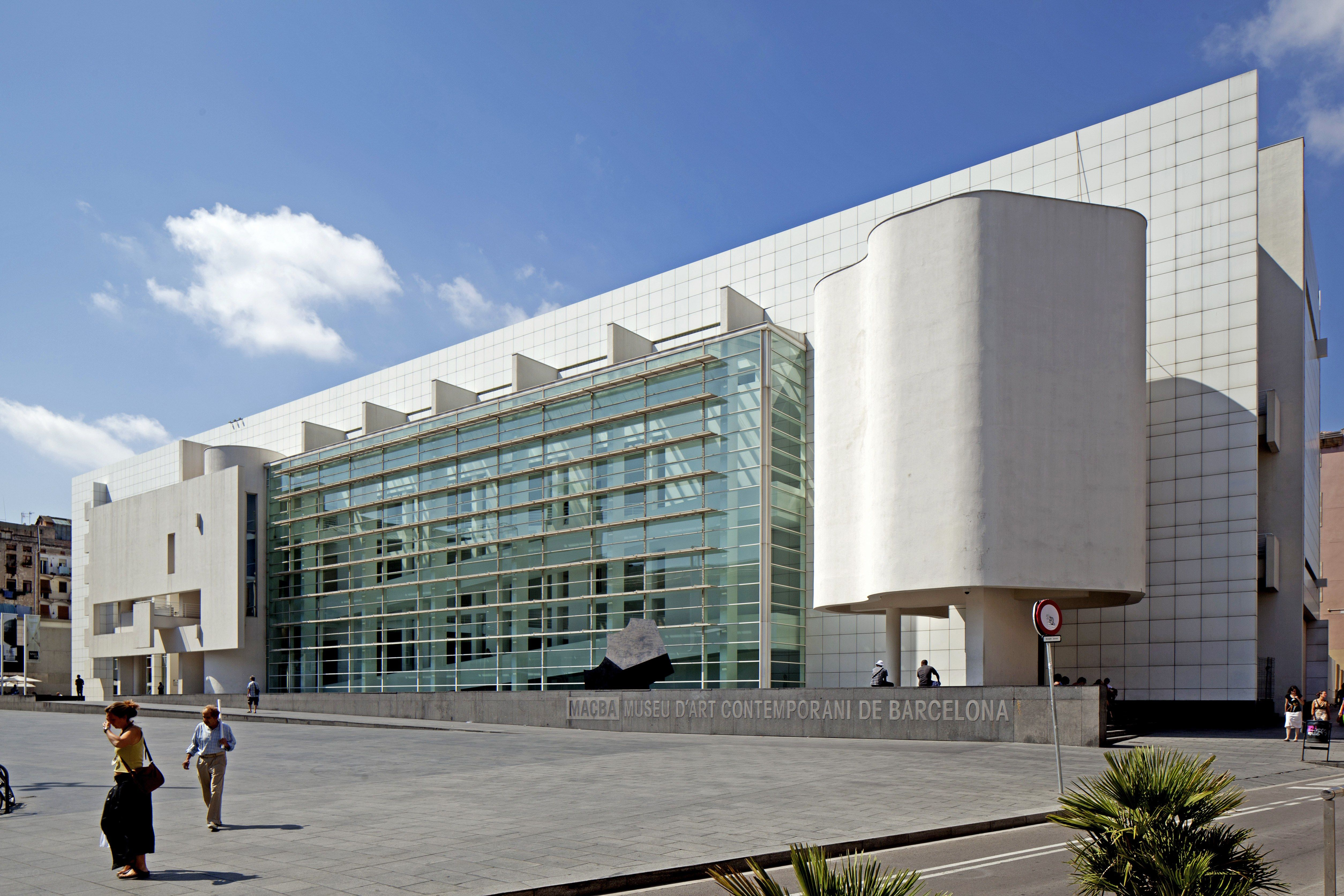 Eye Catching Buildings By Richard Meier Architecture Art And