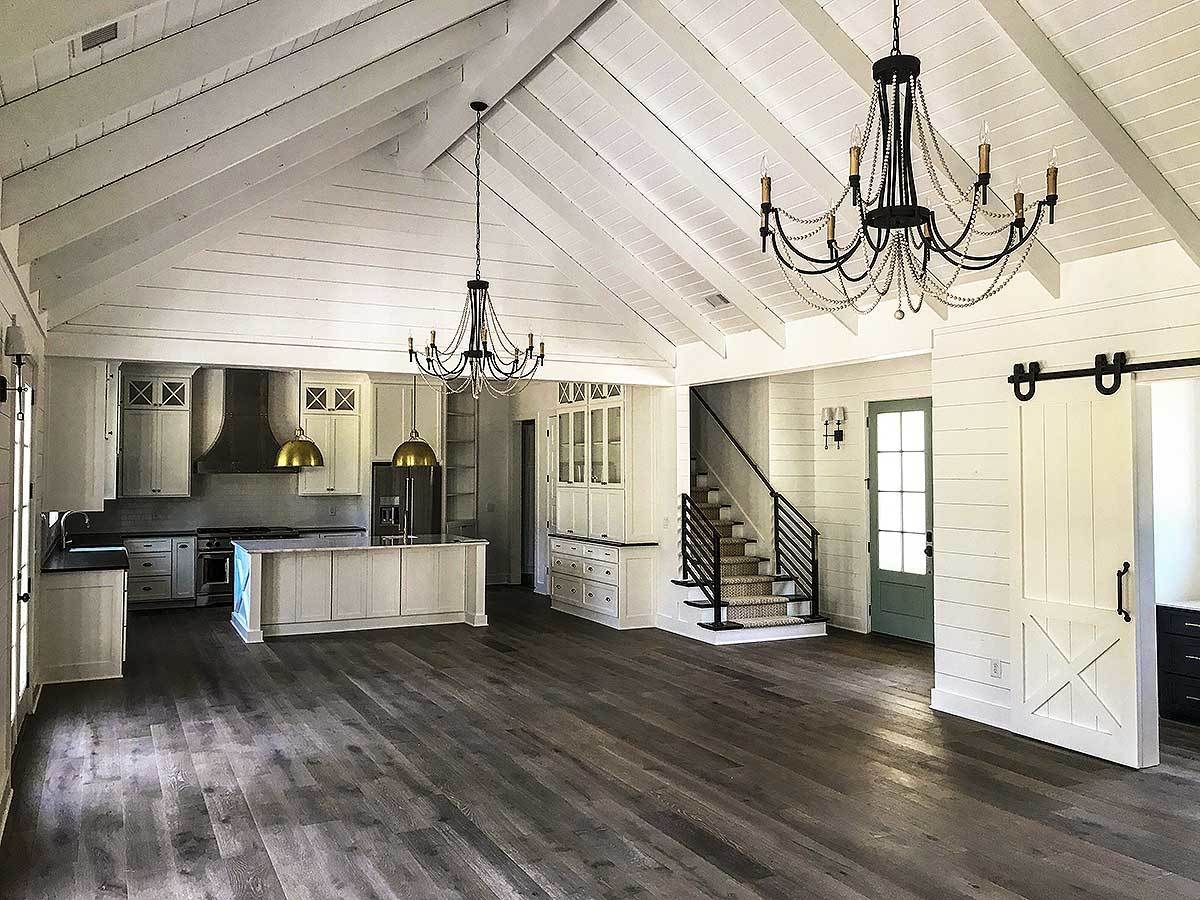 Plan 24374tw Country Craftsman With Vaulted Interior And