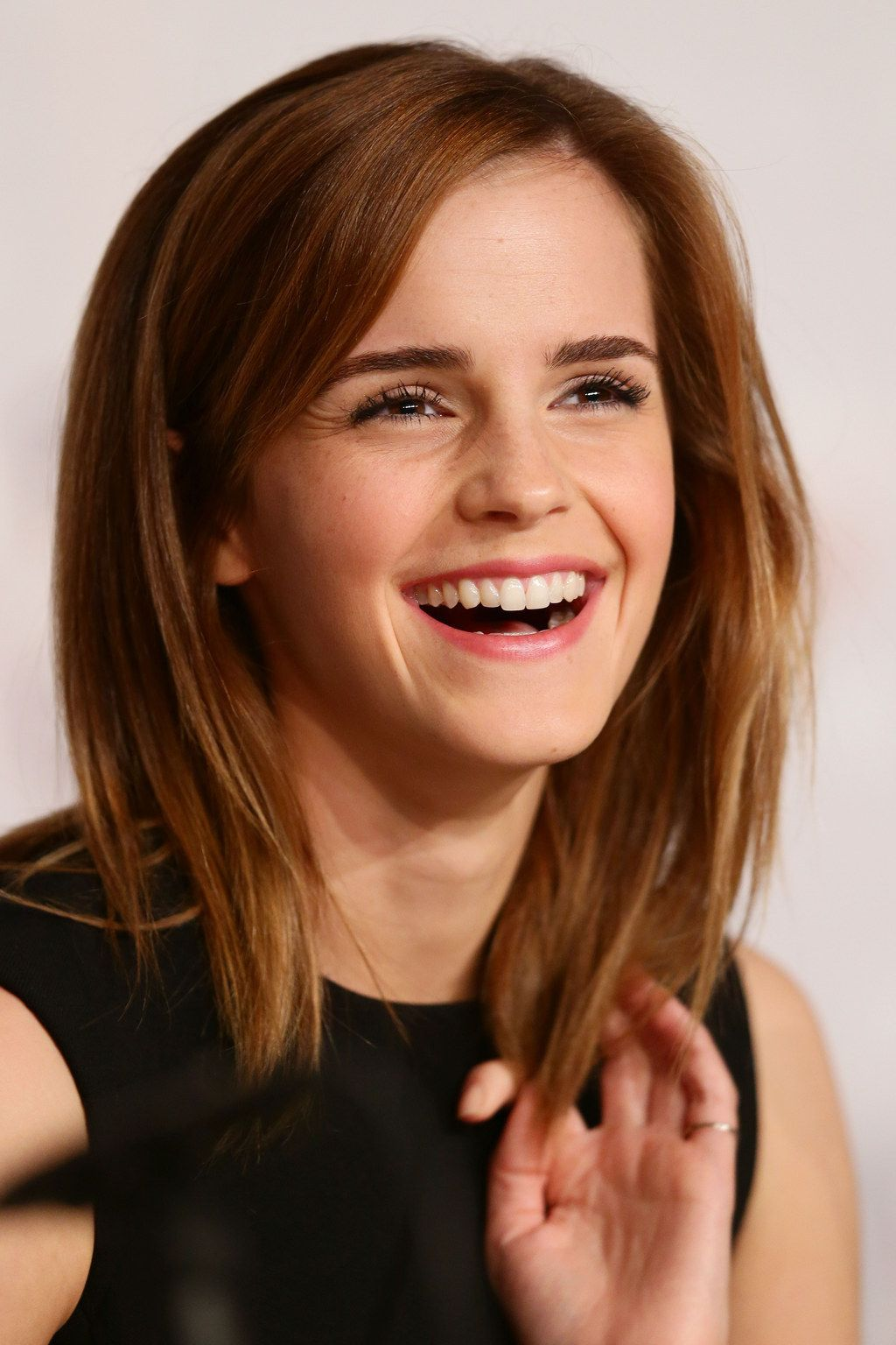 Best hairstyle for short wavy hair emma watson and gay
