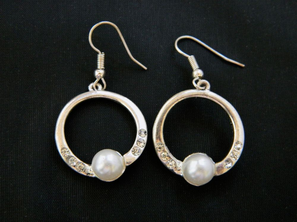 Geometric Circle Hoop Earrings Rhinestone Faux Pearl Retro Costume Jewelry