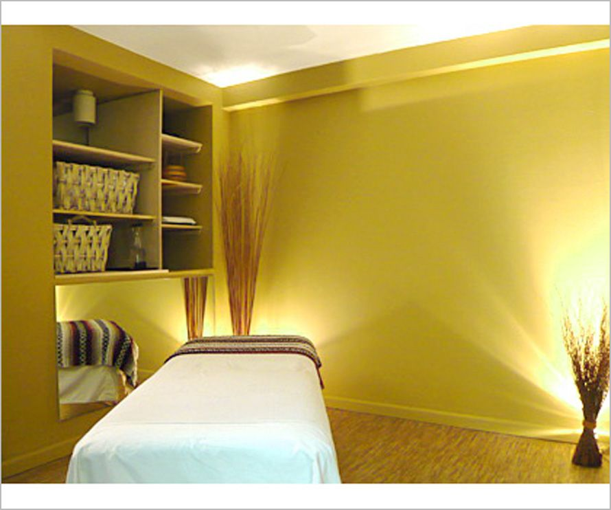shedding-light-is-important-to-decor-a-chiropractic-room, photo