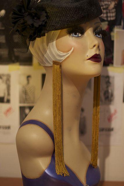 DIY fashion tutorial - Louis Vuitton SS11 maxi fringe earrings