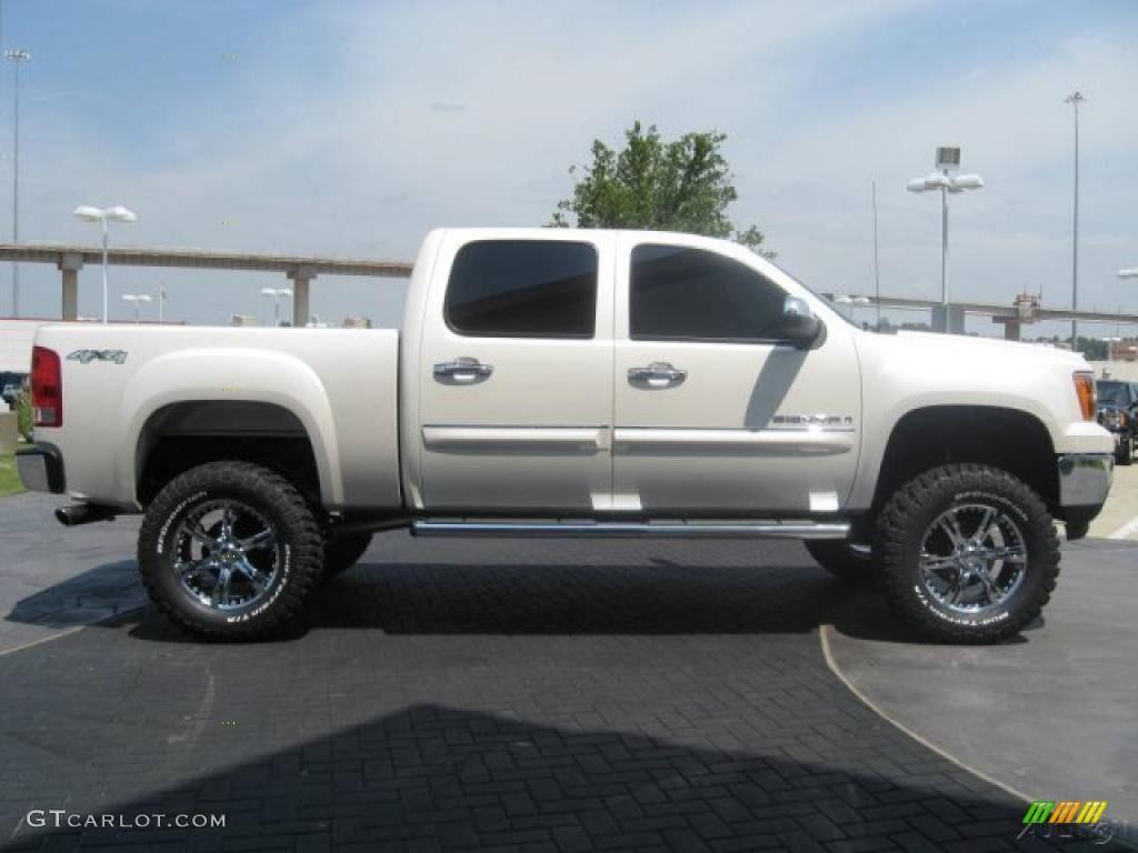 White chevy truck 2014