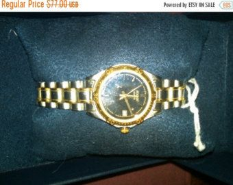 Watch-Ladies Pulsar 2 tone-Gorg  --20-25% off Jewelry SALE -- FREE Shippping by altcollect. Explore more products on http://altcollect.etsy.com