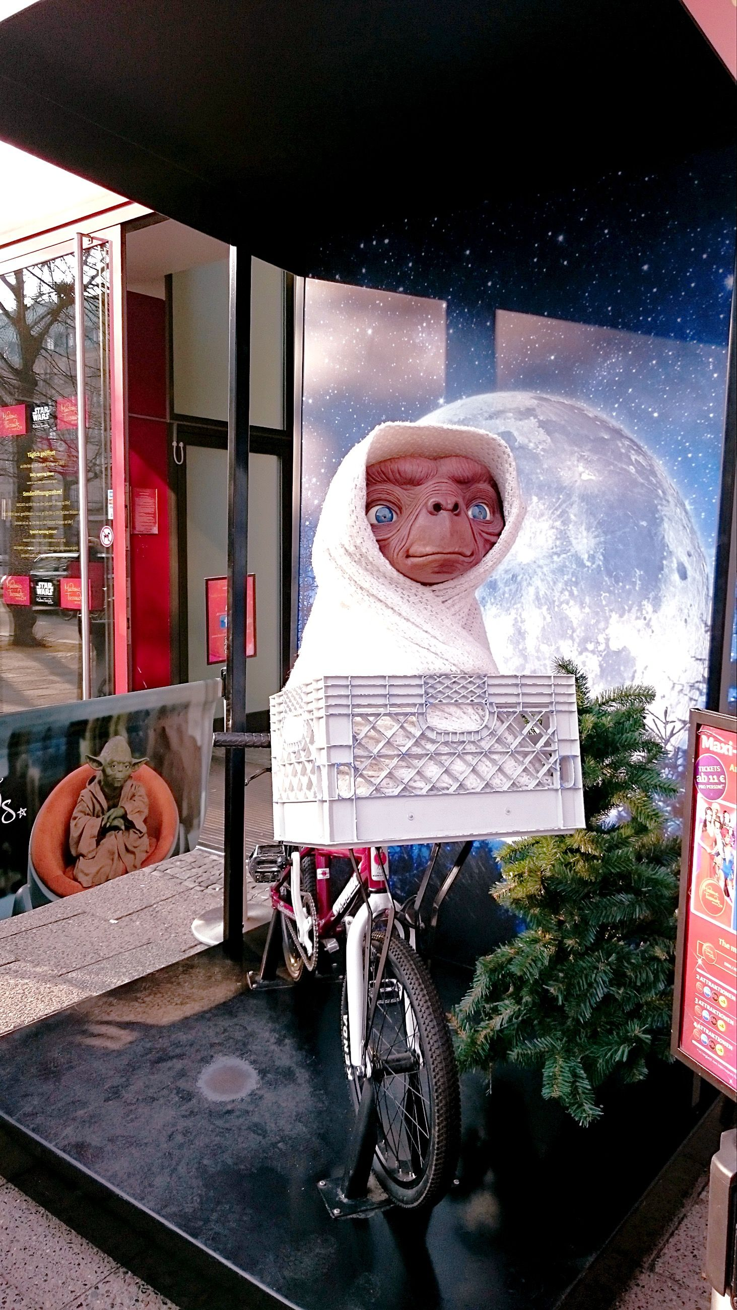 Et Phone Home In 2019 Europe Day Et Phone Home Birthday