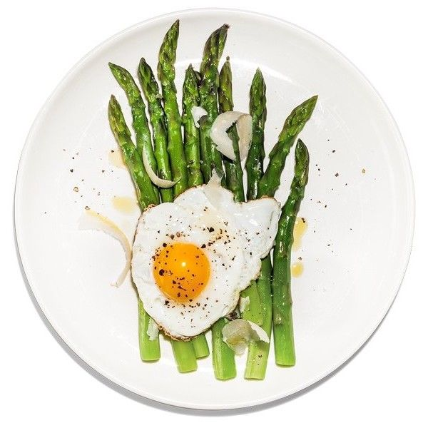 Asparagus with Fried Eggs ❤ liked on Polyvore featuring food, food and drink, filler and hrana