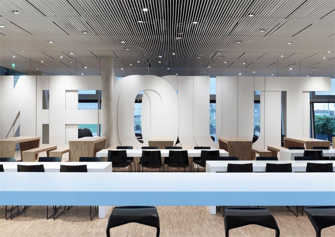 Grande Painel 365 Na Parede De Entrada Office Interior Design