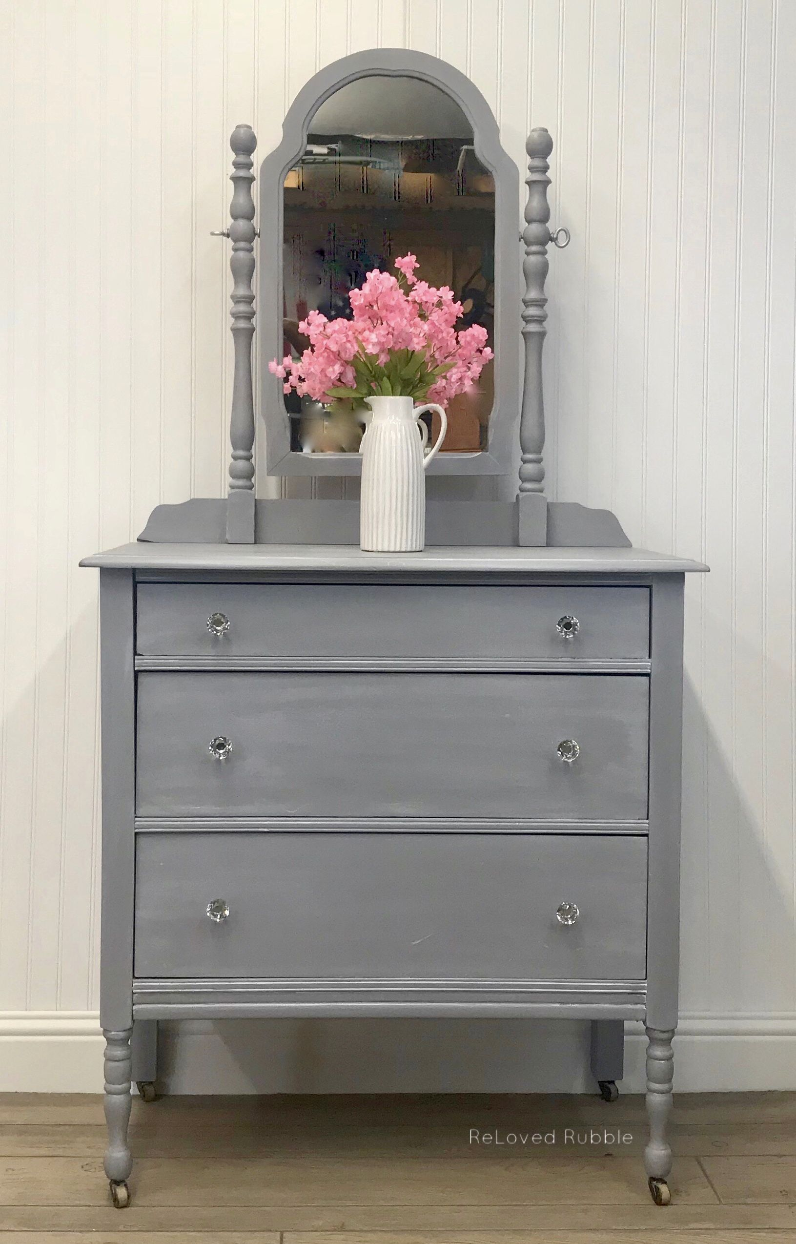 Vintage Dresser Refinished In Custom Mix Of General Finishes Seagull Gray And Driftwood Plus Their Winter W Vintage Dressers Dresser Refinish Painted Furniture [ 2548 x 1631 Pixel ]