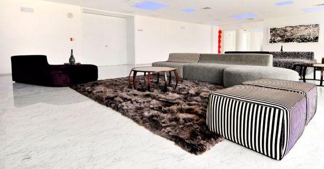 Kinderteppich braun  alpaka teppich braun fell sofa marmorboden Yaku | Boden ...