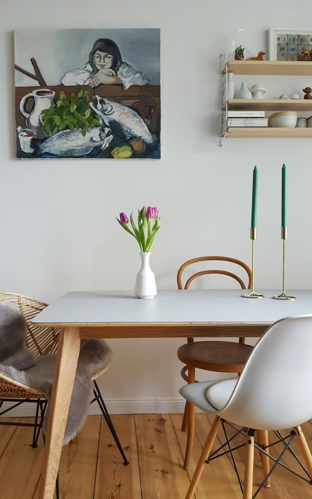 Neuer #Tisch ! #essplatz #tulpen #retro #stuhlmix #wohnzimmer
