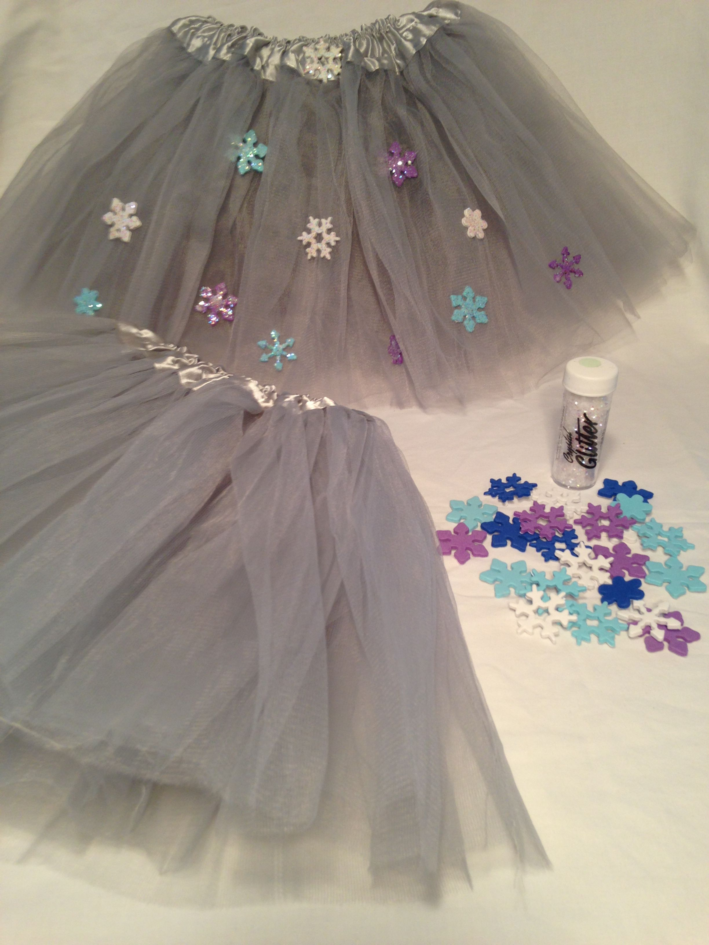 Princess Birthday Party ideas. Frozen Party Craft Ideas. New Frozen Tutu Craft from My Princess Party to Go. http://www.myprincesspartytogo.com/Crafts.html #princessbirthdaypartyideas #frozenpartyideas #frozepartycrafts