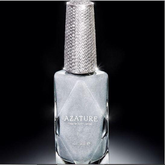 Kelly Osbourne Dons $1 Million Azature Manicure - TechGlam