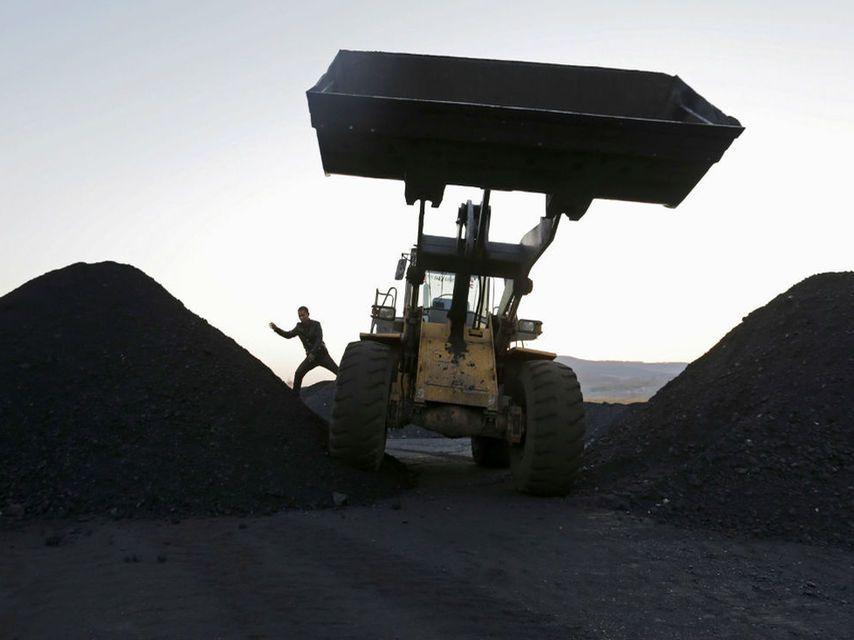Por qué China prefiere carbón a renovables