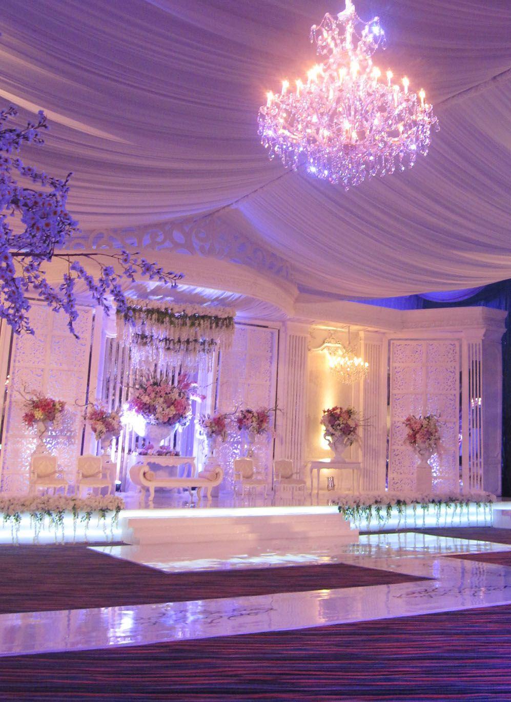 The white lilac mawarprada dekorasi pernikahan pelaminan the white lilac mawarprada dekorasi pernikahan pelaminan wedding decoration junglespirit Gallery