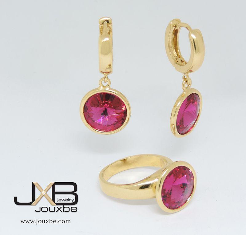 ba56166d1f56 Set de aretes y anillo con piedra rosa