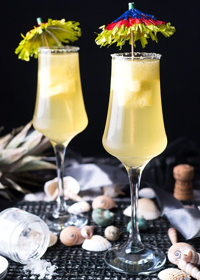 A 100 calorie mango pineapple margarita is the perfect