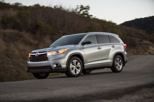 2014 Toyota Highlander Improves Styling Meets Family Needs