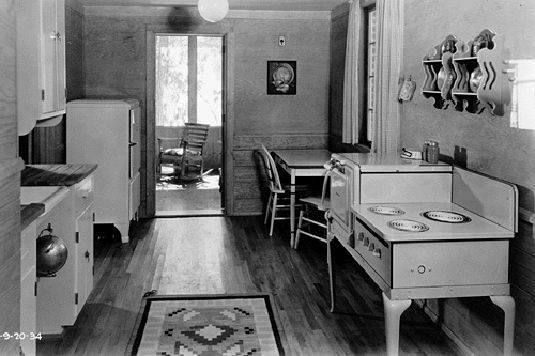 a 1934 farmhouse kitchen after installation of electric appliances  courtesy franklin d  roosevelt presidential library new deal network  library of congress photos 1930 u0027s       franklin d  roosevelt      rh   pinterest co uk
