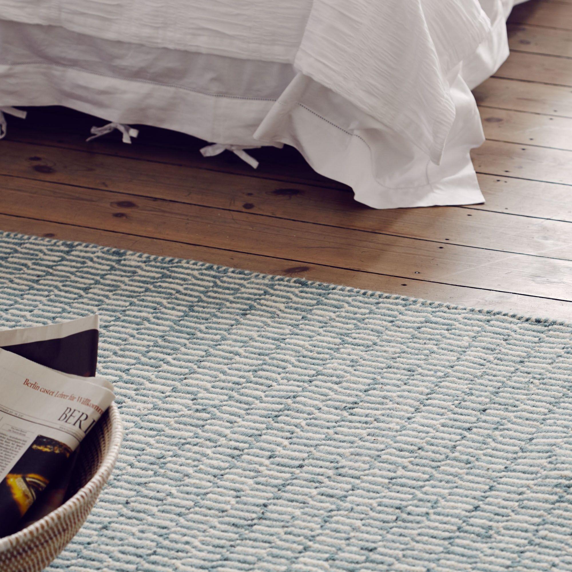 Teppich Overod, Türkis/Eierschale Im Geometrischen Design | URBANARA