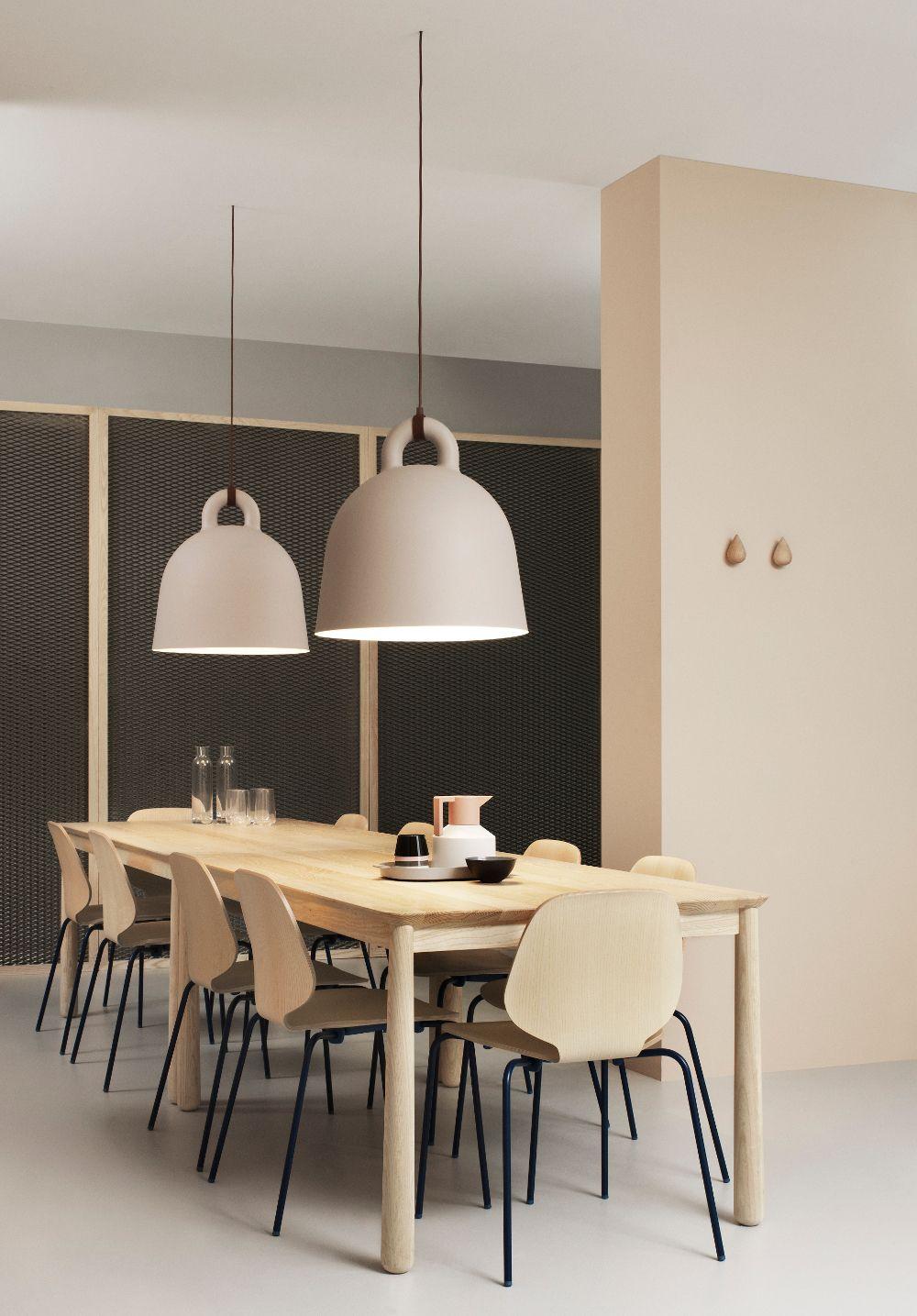 Prachtige grote bell hanglampen van normann copenhagen for Grote hanglamp eettafel
