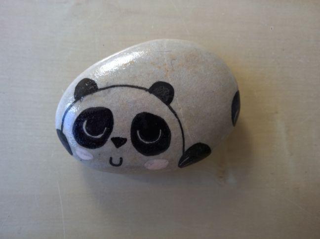 loukoumiaou peinture sur galets 2 anniversaire loup animaux pinterest petit panda. Black Bedroom Furniture Sets. Home Design Ideas