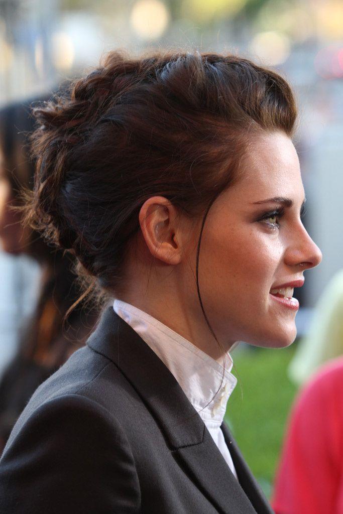 Diferentes versiones peinados casual Fotos de tendencias de color de pelo - Kristen Stewart, siempre casual | Peinado mohawk, Peinados ...