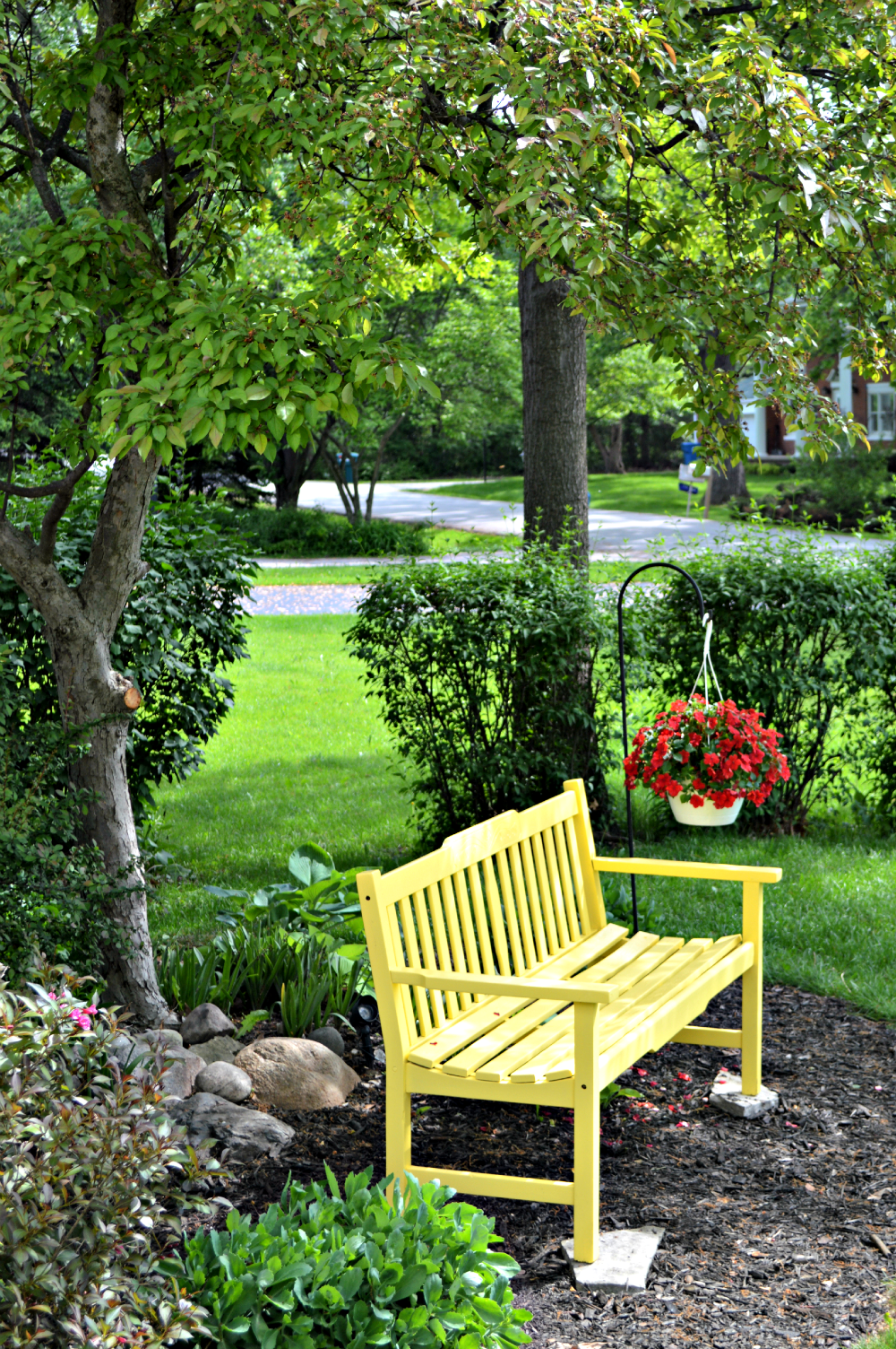 a sunny yellow bench for the front yard | front yards and yards