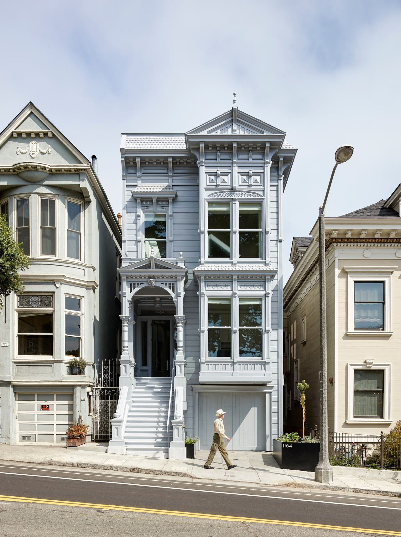 House Mullets Traditional In The Front Modern In The Back San Francisco Houses House Extension Design Victorian Homes
