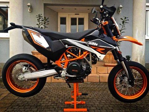 ktm supermoto 50cc pinterest motard moto et posca. Black Bedroom Furniture Sets. Home Design Ideas